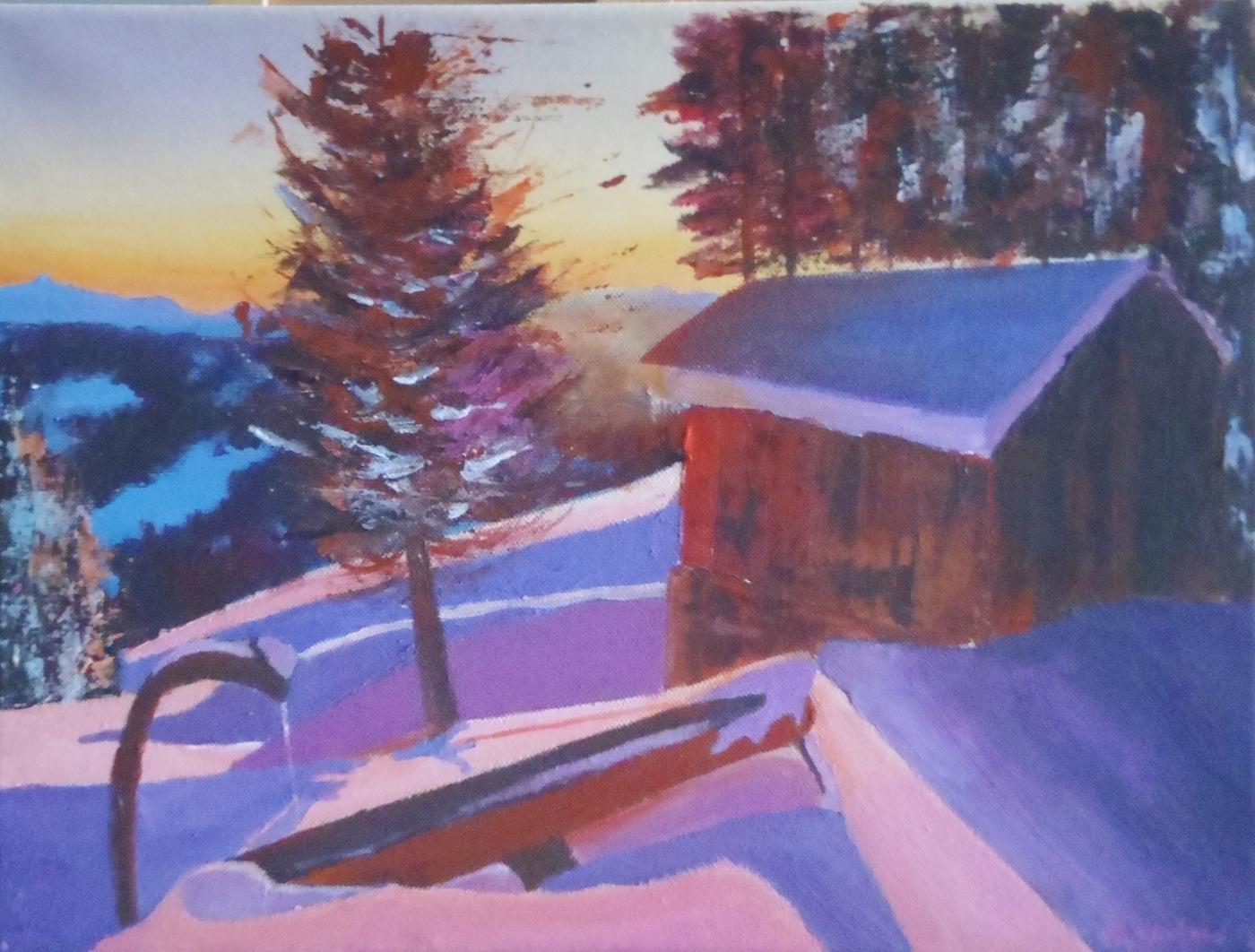Cabane en bois enneigée et sapin